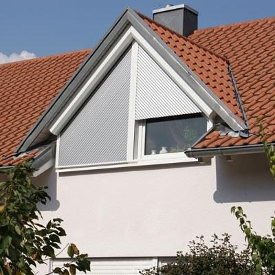 Rollläden für schräge Fenster